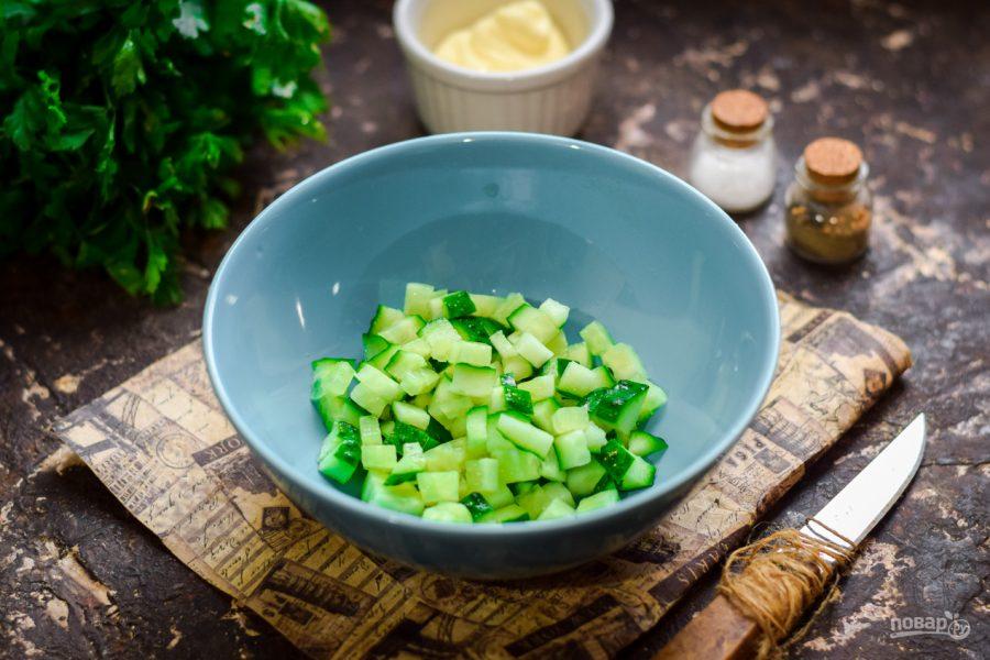 Салат с мидиями и крабовыми палочками