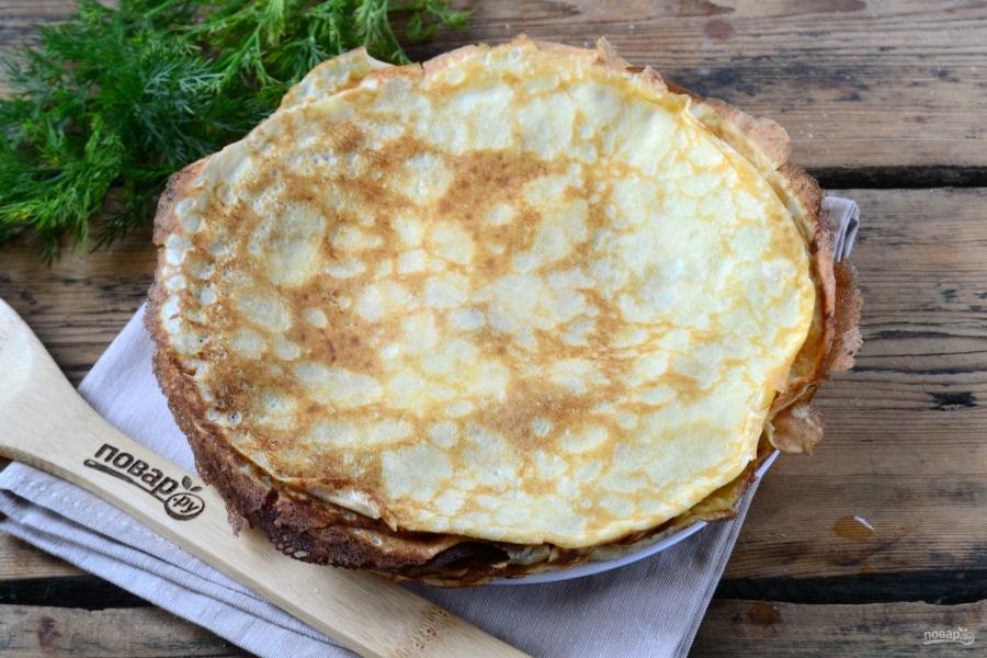 Торт из яичных блинов с куриной начинкой