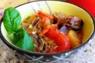 Утка по-тайски с карри и овощами