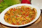 Рыба под сметанным соусом с овощами и пармезаном