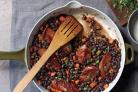 Черная фасоль с колбасками