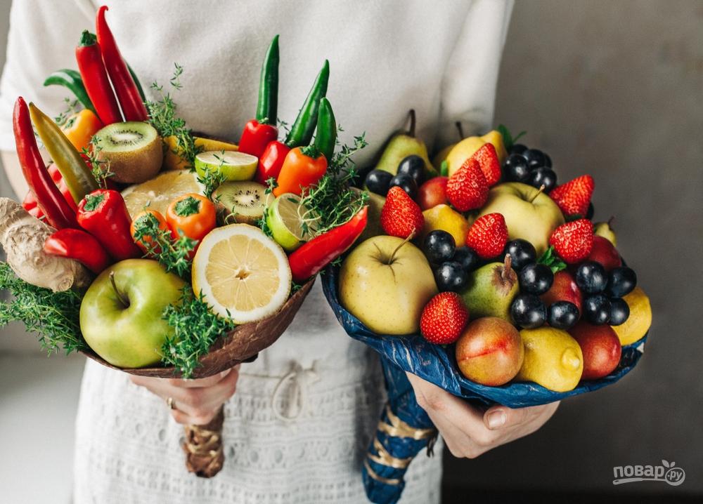 Съедобный букет из фруктов, овощей, ягод