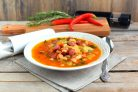 Зимний фасолевый суп с колбасками