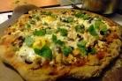 Пицца с курицей и яйцом