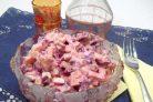 Салат со свеклой, сыром и яйцами