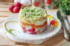 Салат с треской и овощами