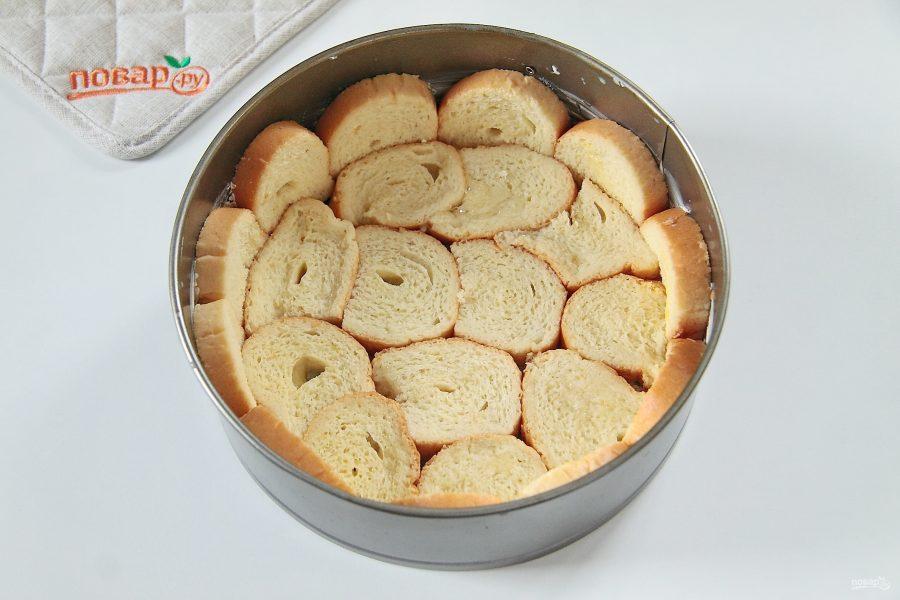 Шарлотка с хлебом, приготовление формы