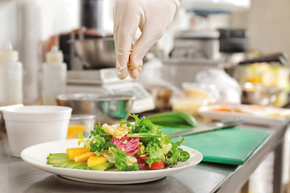 Как просто приготовить салат