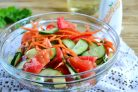 Салат из помидоров, огурцов и моркови