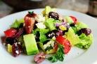 Греческий салат с базиликом