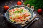 Салат с ветчиной и китайской капустой
