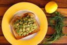 Салат из авокадо и нута