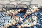Морской окунь на мангале