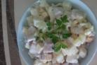 Салат из куриного рулета