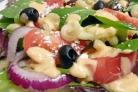 Греческий салат с пастой