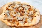 Пицца с сыром с плесенью
