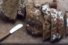 Черный хлеб с морковью и тмином