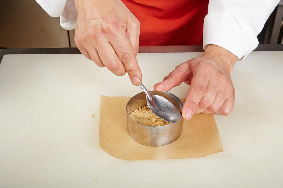 Легкий мусс с клюквенно-медовым соусом