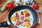 Яичница с летними овощами