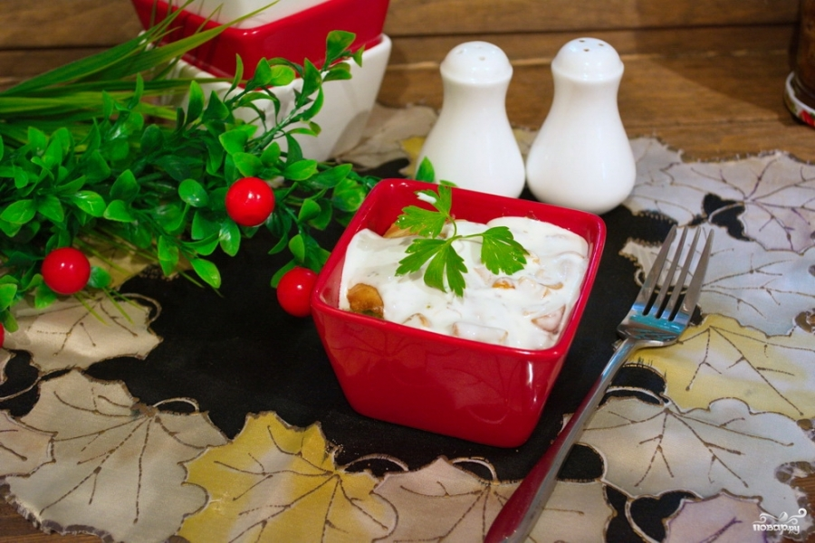 Кабачковое суфле с индейкой под грибным соусом