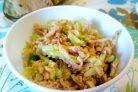 Огуречный салат с семенами кунжута