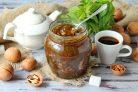 Варенье из ревеня с грецкими орехами