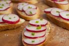 Бутерброды с редисом