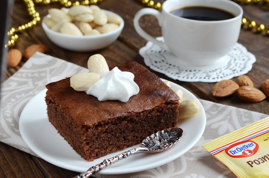 Шоколадный пирог со вкусом миндаля