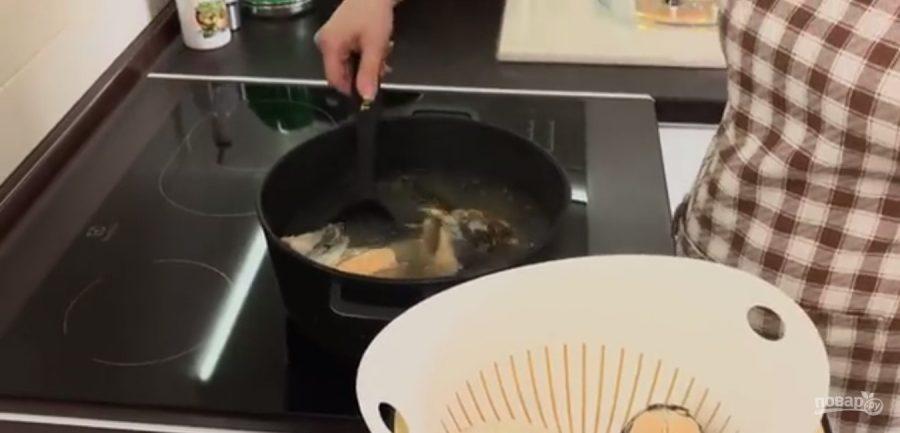 Уха из красной рыбы (простая и вкусная)