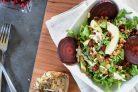 Салат с курицей и пшеницей