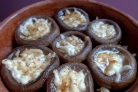 Шампиньоны, запеченные с сыром в духовке
