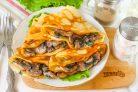 Блины с грибами и сливочным соусом