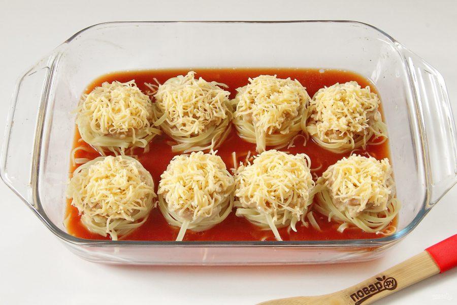 Тальятелле под сыром в томатном соусе