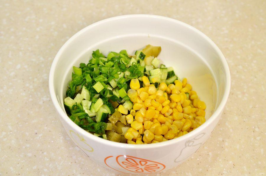 Винегрет с кукурузой