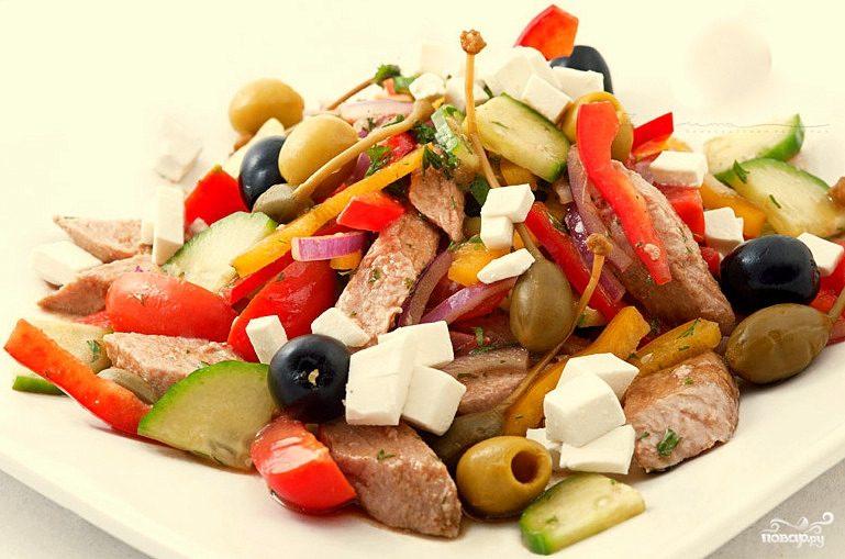 Для сайта Аура позитива: греческий салат с тунцом