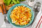 Жареная капуста с морковкой и луком