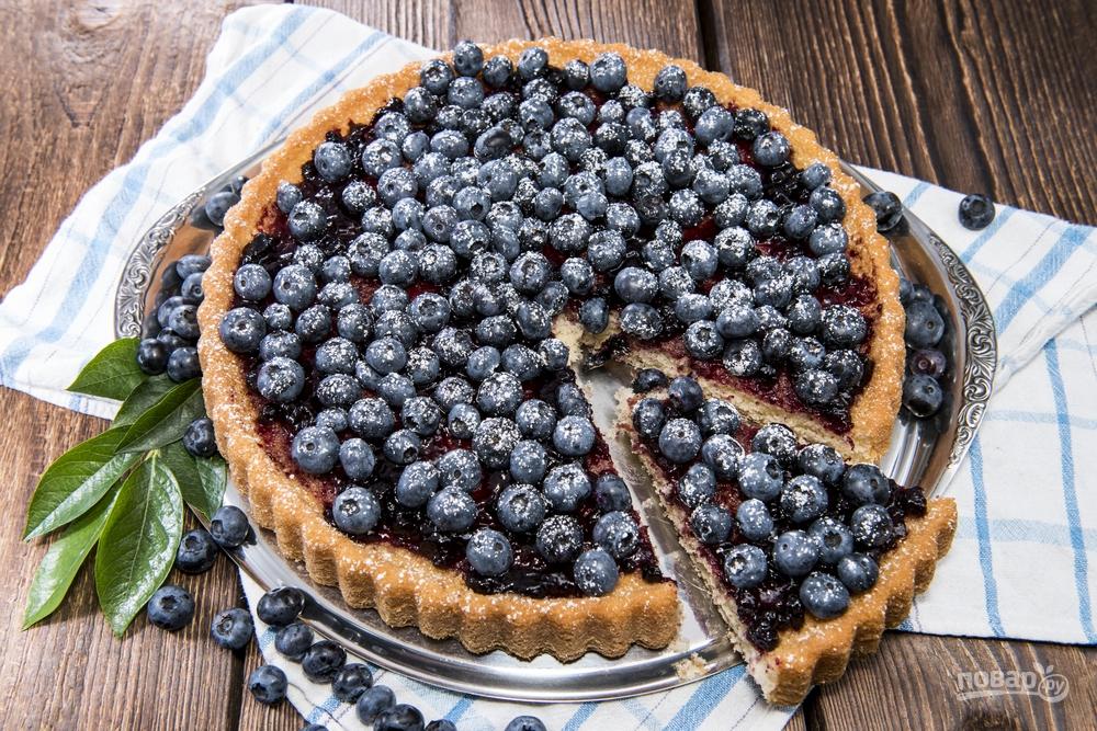 Открытый пирог с черникой
