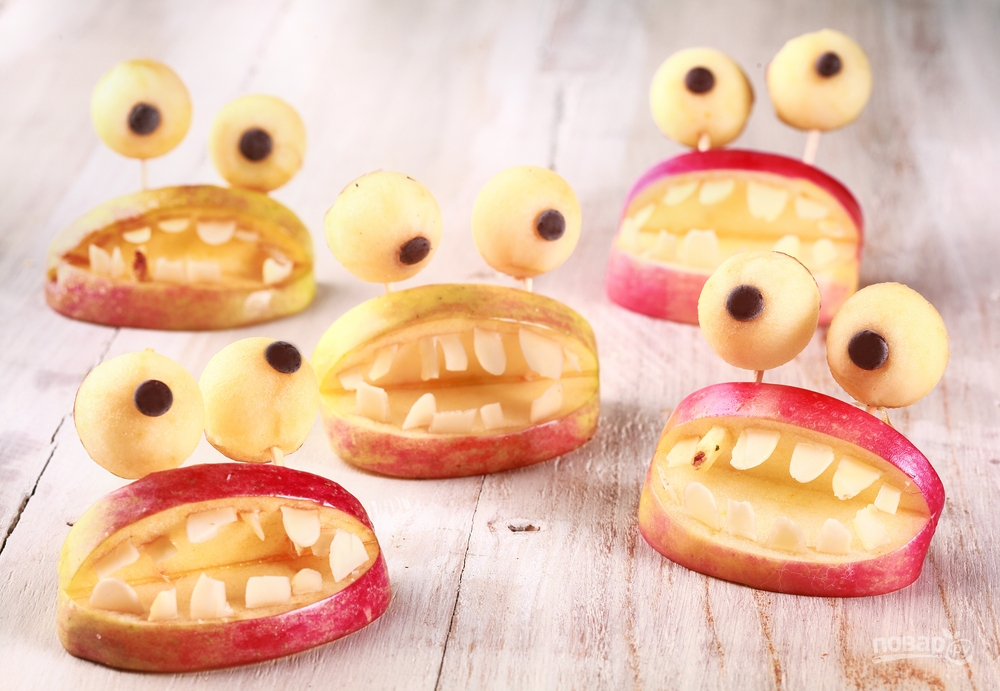 Десерт из яблок на Хэллоуин
