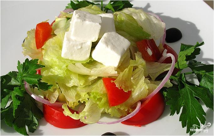 Греческий салат с адыгейским сыром