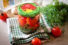 Сладкие помидоры с луком на зиму