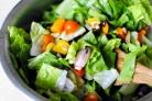 Садовый салат с арахисом