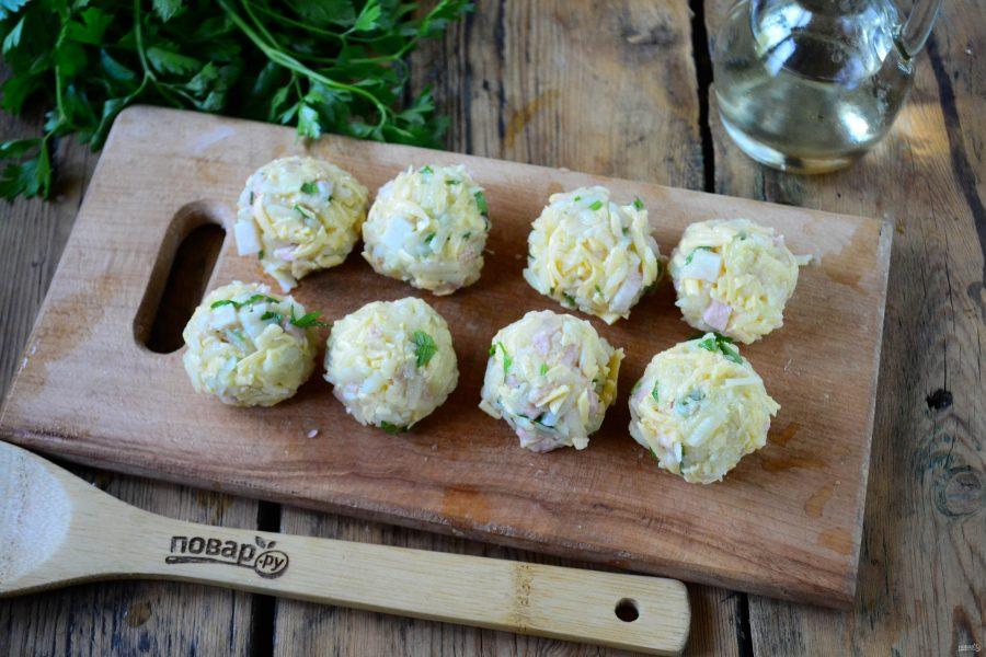Картофельные шарики во фритюре
