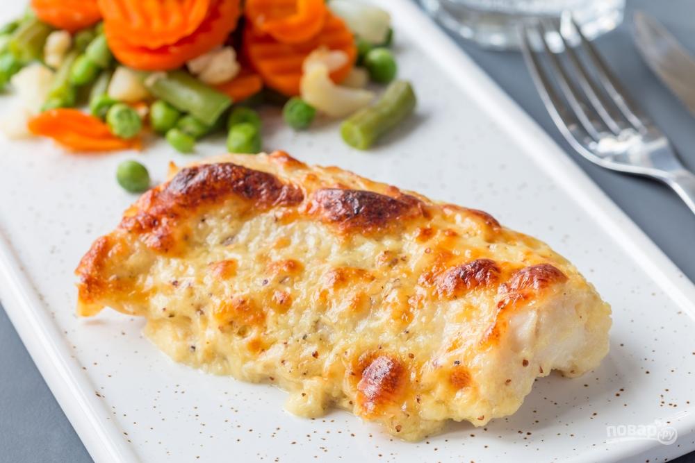 Рыба род сырной корочкой