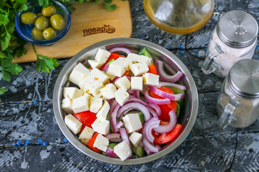 """Приготовление салата """"Греческий"""""""