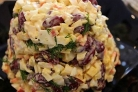 Крабовый салат с фасолью