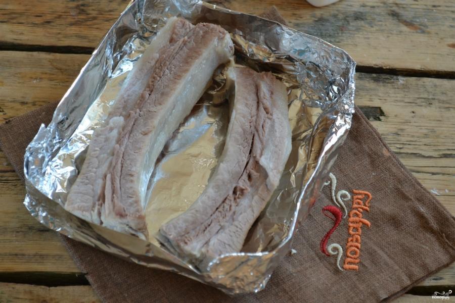 Мясо под сырным соусом