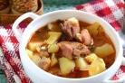 Картошка со свининой в казане