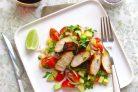 Салат из авокадо с куриной грудкой