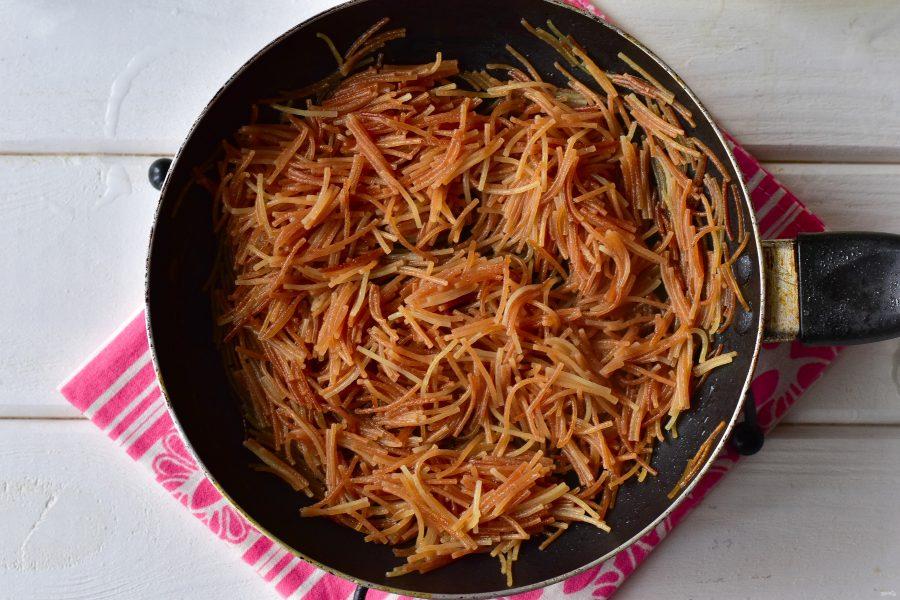 жареная вермишель на сковороде рецепт с фото один