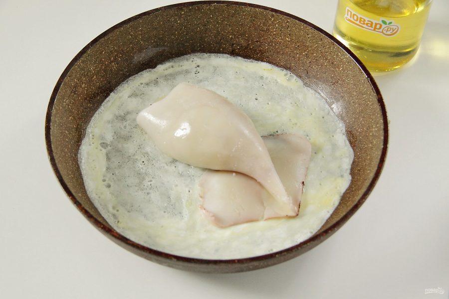 Фаршированный кальмар в яйце